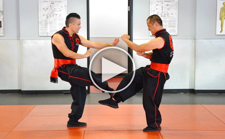 Click image to play Combat Kung-Fu's online self-defense training video.